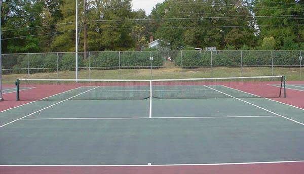 Come costruire un campo da tennis in giardino