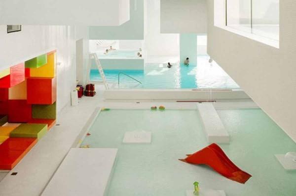 Costruire la piscina interna