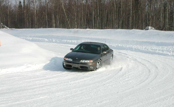 guidare sulla neve e sul ghiaccio