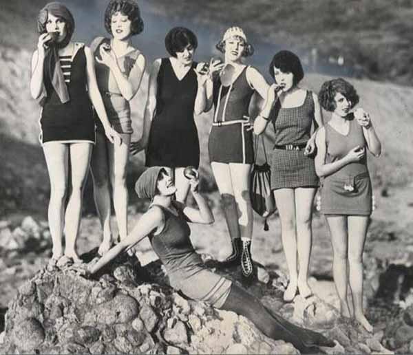 Storia del costume da bagno da donna