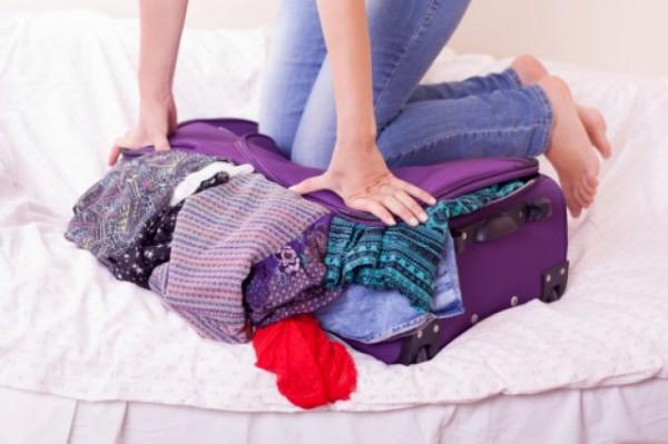 Come fare la valigia senza stropicciare i vestiti