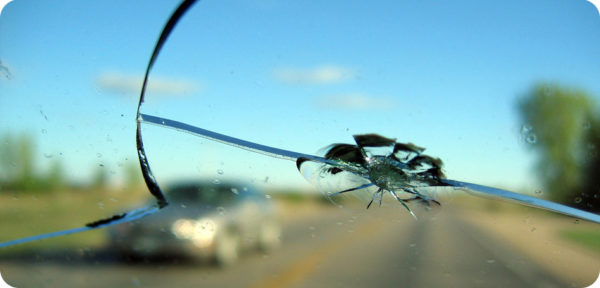 Cristalli auto: ripararli o sostituirli?