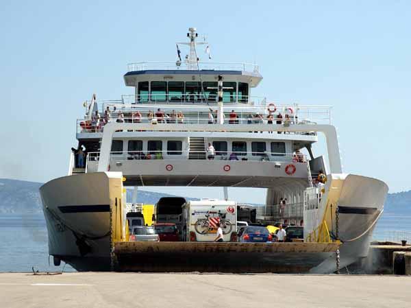 Imbarco sul traghetto: informazioni e consigli