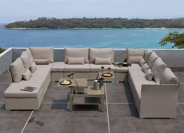Mobili da giardino nuovi materiali for Giardino mobili esterno