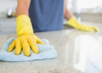Prodotti per pulire il marmo