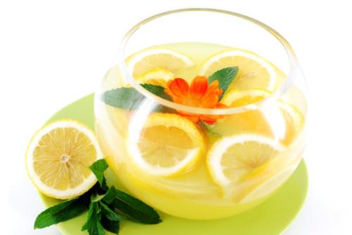 Rischi e pericoli della dieta del limone