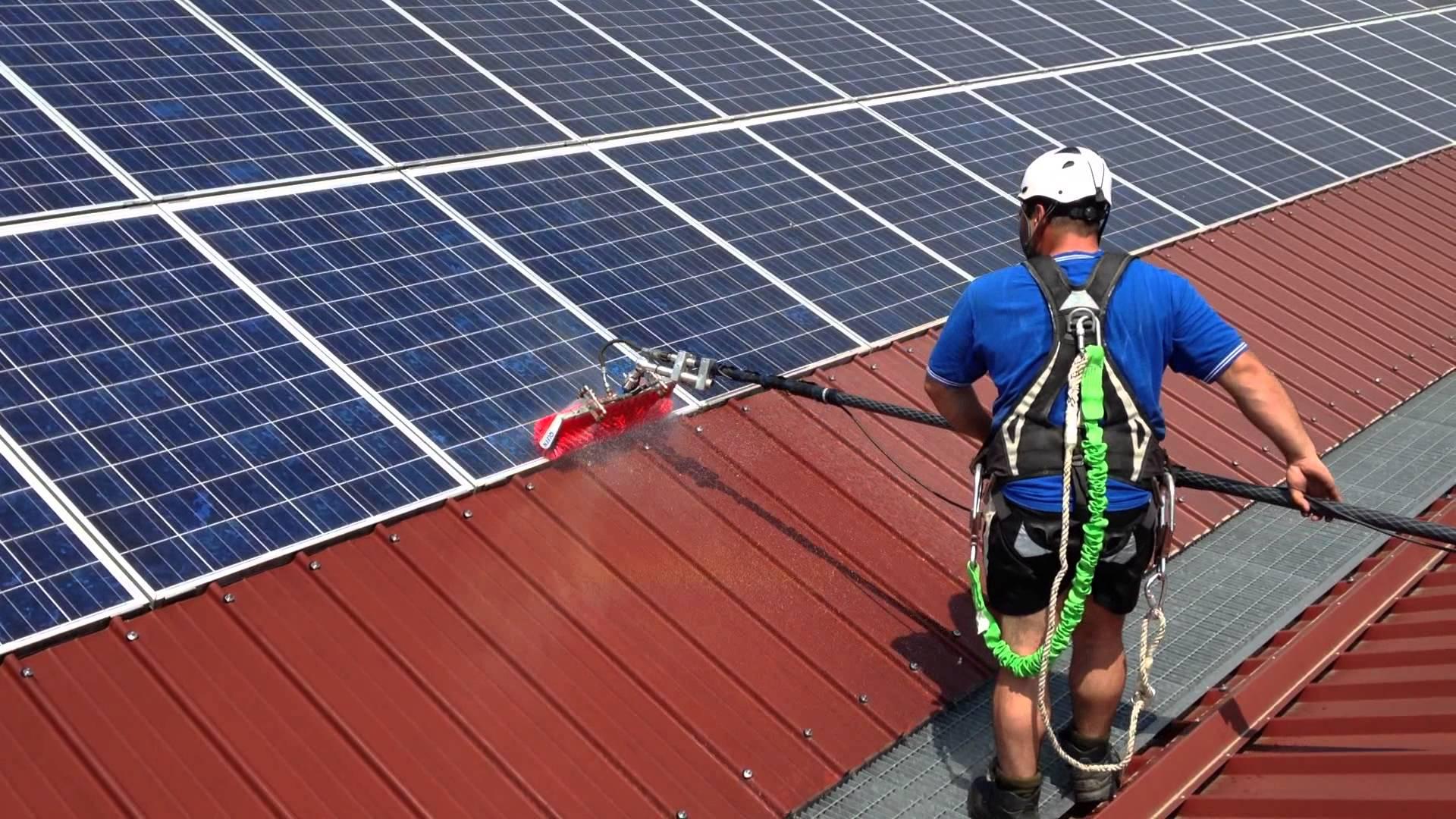Consigli utili per la pulizia dei pannelli fotovoltaici