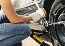 come cambiare la gomma dell'auto