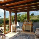 Come costruire una veranda: permessi, materiali, aperture e coperture