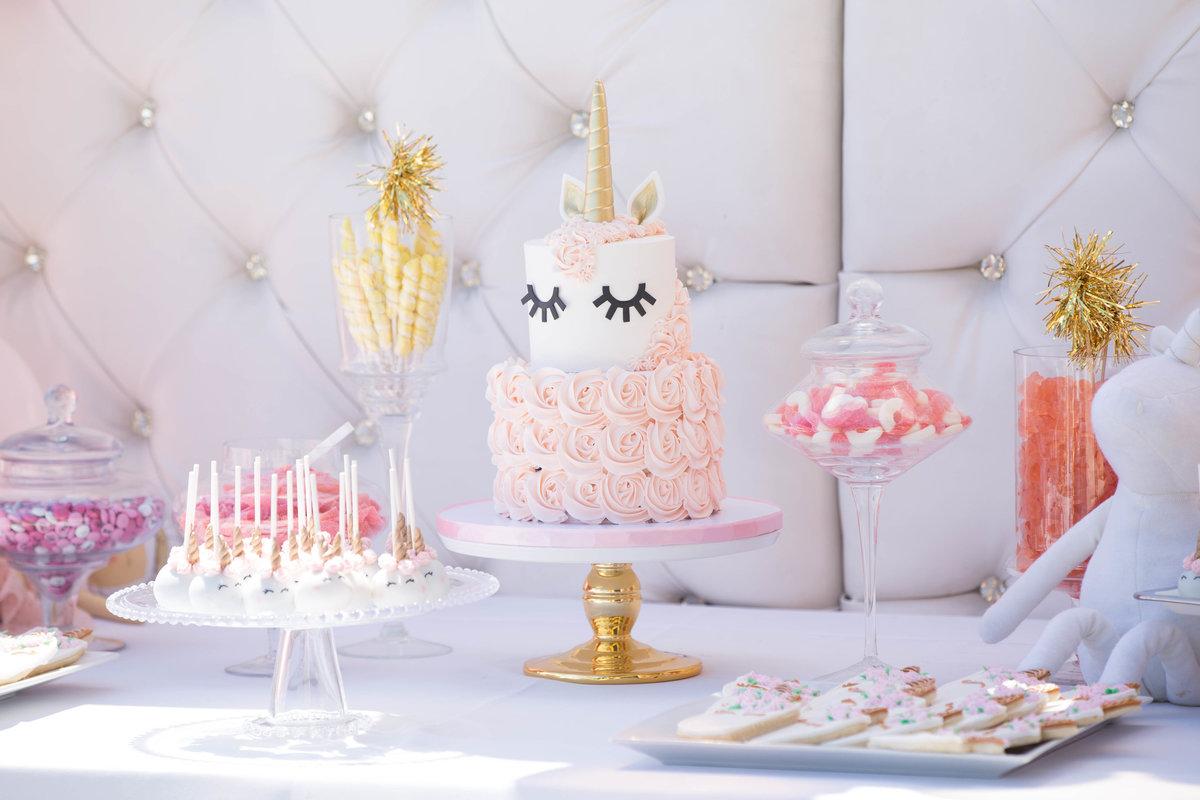 la torta per un baby shower al femminile